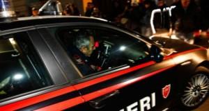 Via Chavez: litiga col vicino e gli incendia la porta di casa
