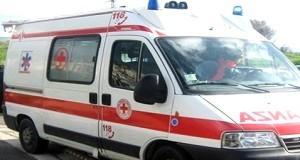 Cavalcavia del Ghisallo: padre e figlia 11enne si ribaltano in auto