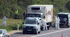Strage di migranti: a decine morti soffocati in un tir in Austria
