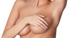 Medici in arresto: diagnosticavano falsi tumori per fare plastiche al seno