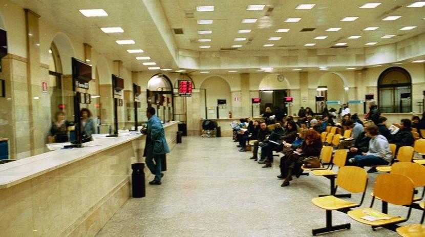 Uffici aperti per rifare la tessera elettorale o la carta - Ufficio elettorale milano ...
