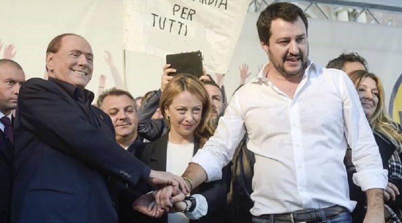 Nuova batosta per Renzi: mezza sinistra non vota. Forza Italia e Lega, unite e aperte, vincono