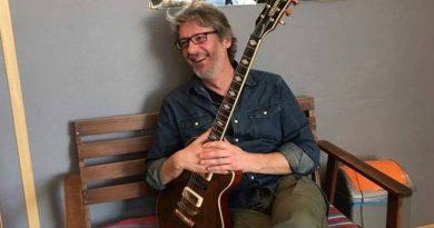 Una scuola di musica qualificata per giovani talenti, la seconda vita del chitarrista dei big