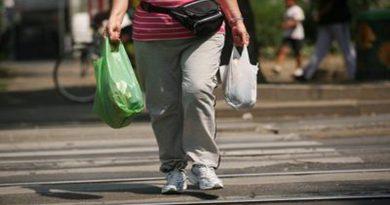 Come i chili di troppo ci 'rubano' mesi di vita