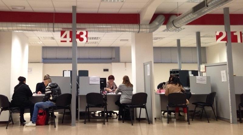 Ufficio Di Anagrafe Milano : Disagi e proteste all ufficio anagrafe monitor fuori uso da mesi