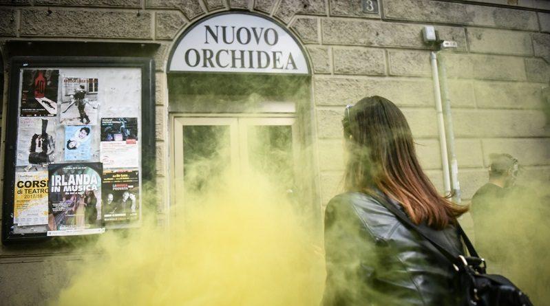 Il collettivo occupa il cinema orchidea il comune lascia for Nuovo stelo orchidea