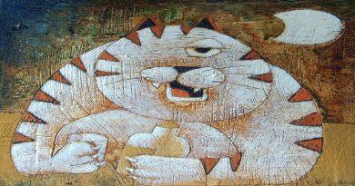Vita di un felino tra sabbia e acciaio. Quell'anomalo gatto nel deserto.