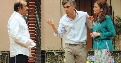 """Al Teatro Manzoni Vincenzo Salemme con """"Una festa esagerata"""""""