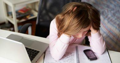 Stimati 300 mila tra i 12 e i 25 anni con dipendenza da internet
