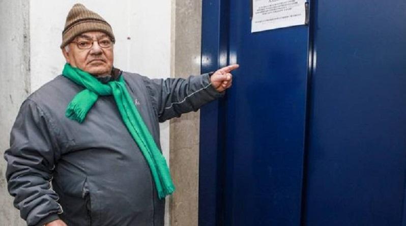 Via Creta, case MM: ascensore  fermo da un anno e appartamento invaso dalla muffa