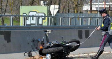 Incidente su raccordo autostradale di Milano: muore motociclista