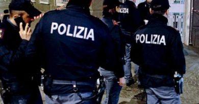 """Fulvio Testi: ovazioni per il blitz della Polizia nel """"feudo della famiglia rom"""""""