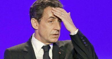 Sarkozy si credeva Napoleone e rideva…oggi tutto il mondo ride