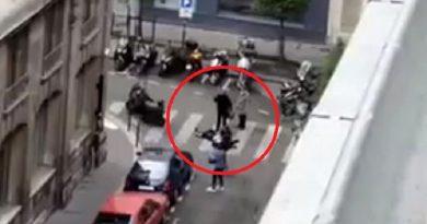 """Parigi: torna il terrore islamico. Gridando """"Allah Akbar!"""" uccide una donna e accoltella 4 passanti"""