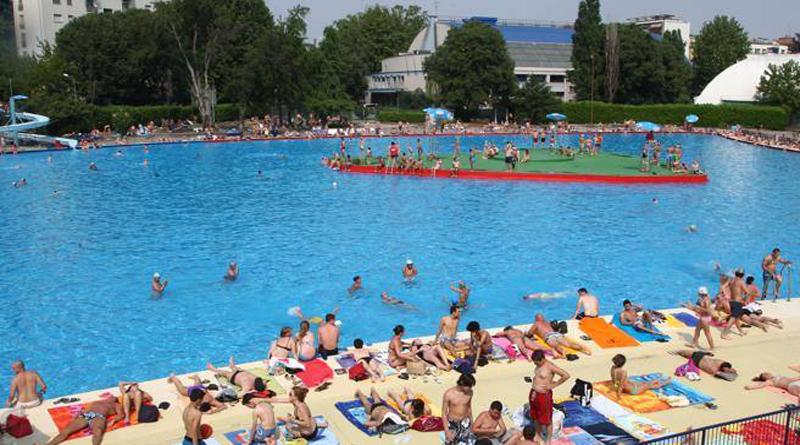 Le piscine spalancano i cancelli nel prossimo weekend milano post - Piscina argelati milano ...