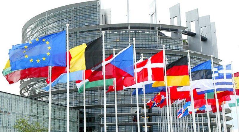 Borse europee incerte, Milano a +0,37%