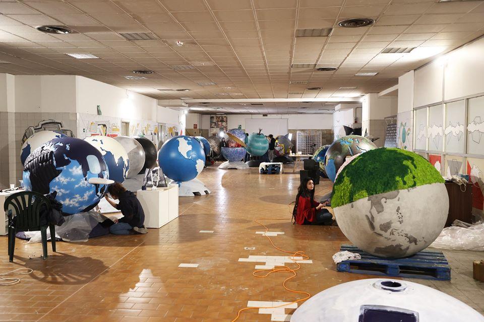 """Fino al 31 Maggio il concorso """"WePlanet-100 globi per un futuro sostenibile""""  Come partecipare con una propria creazione - Milano Post"""